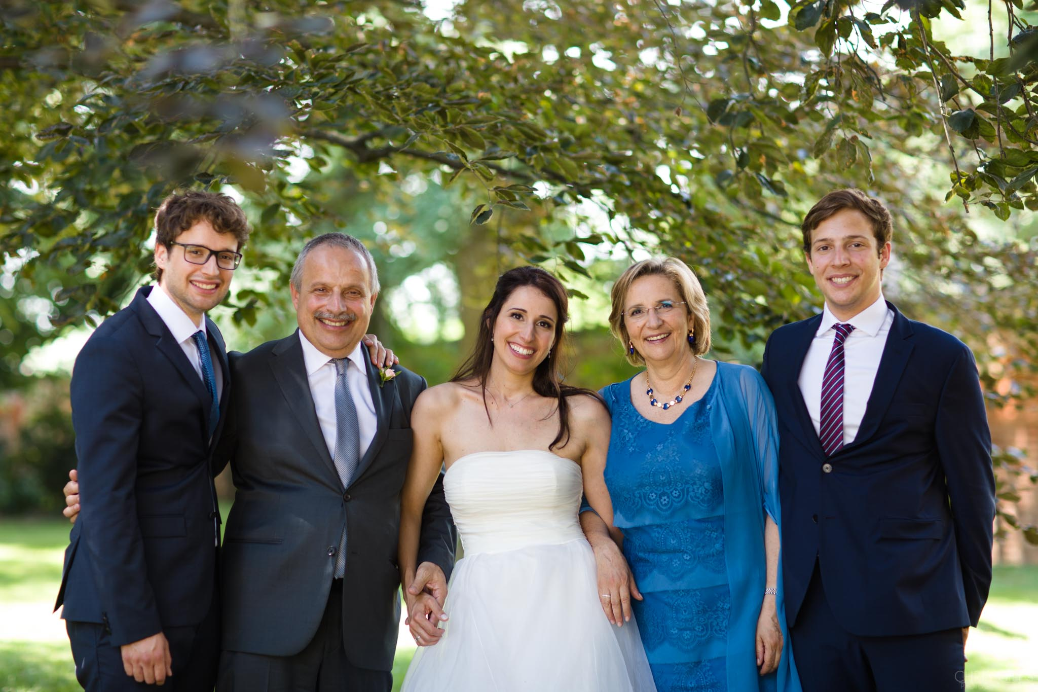 Bridal family portraits at an Italian wedding